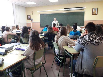 Visita a 1º de Bachillerato del Dr. Enrique Carrillo de Santa Pau